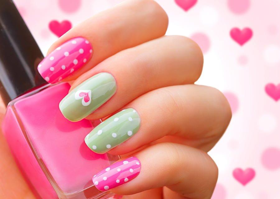 Lakiery do paznokci pozwalają stworzyć piękne wzory