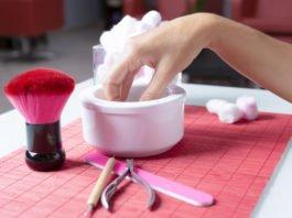 Płukanki to jeden ze sposobów na to, jak zadbać o paznokcie