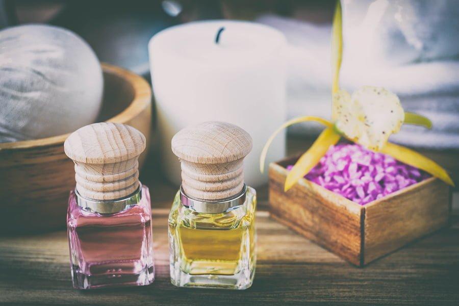 Do olejowania paznokci można wykorzystać różne olejki