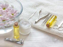 Olejowanie paznokci może być wykonane w domu